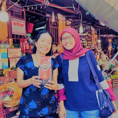 Tertawa Bersama Ibu Dong di Central Market Hoi An