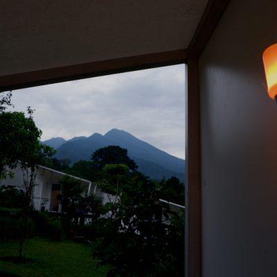 LEUWEUNG GELEDEGAN ECOLODGE BOGOR : GLAMPING & STAYCATION AMAN SAAT PANDEMI